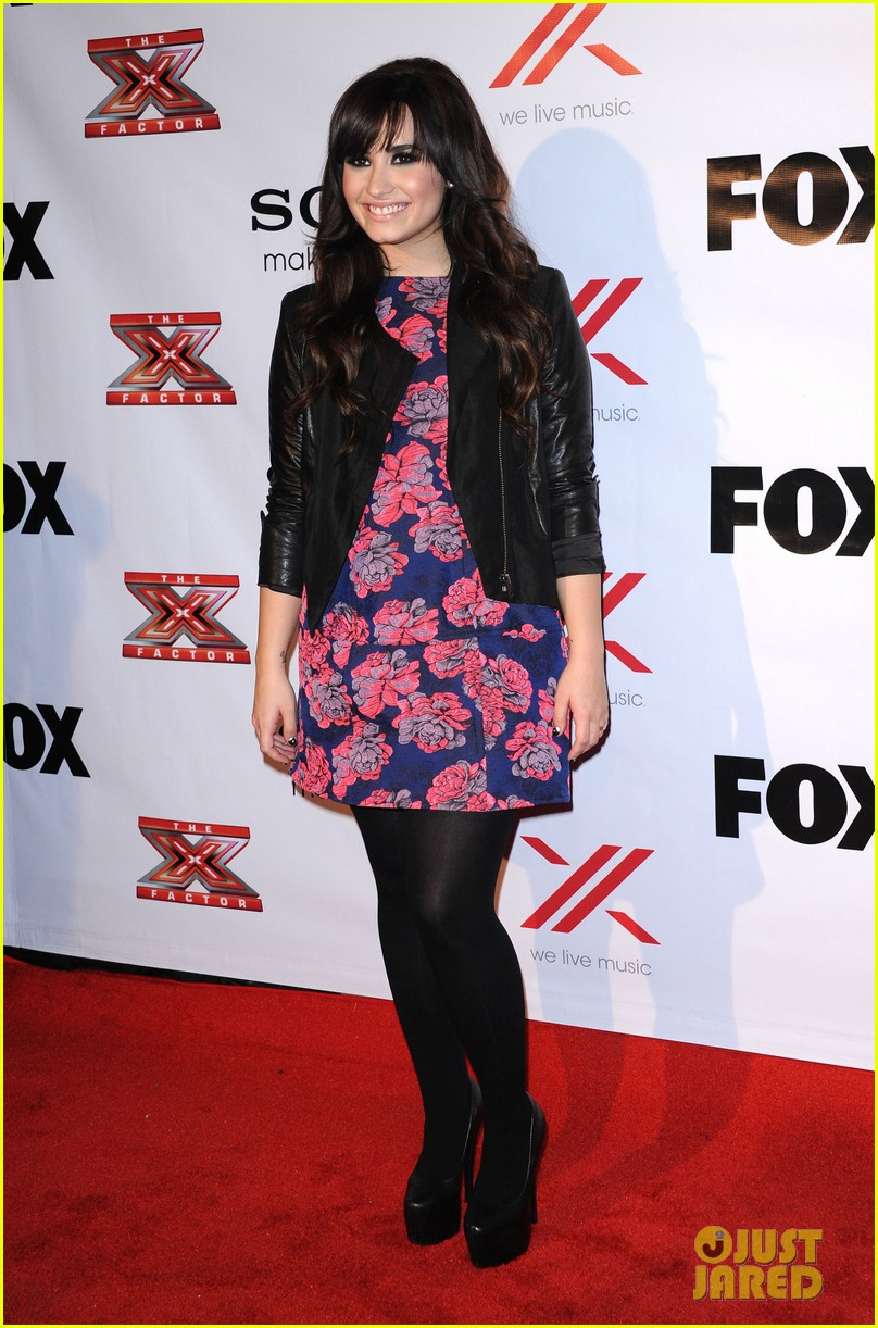britney spears demi lovato x factor viewing  party 152771030