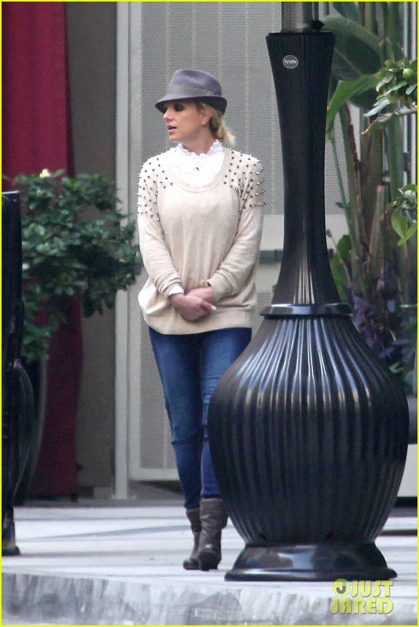 britney spears west hollywood lunch 09