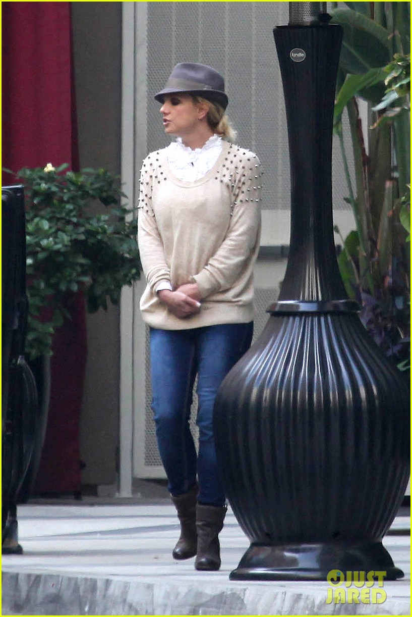 britney spears west hollywood lunch 102770635
