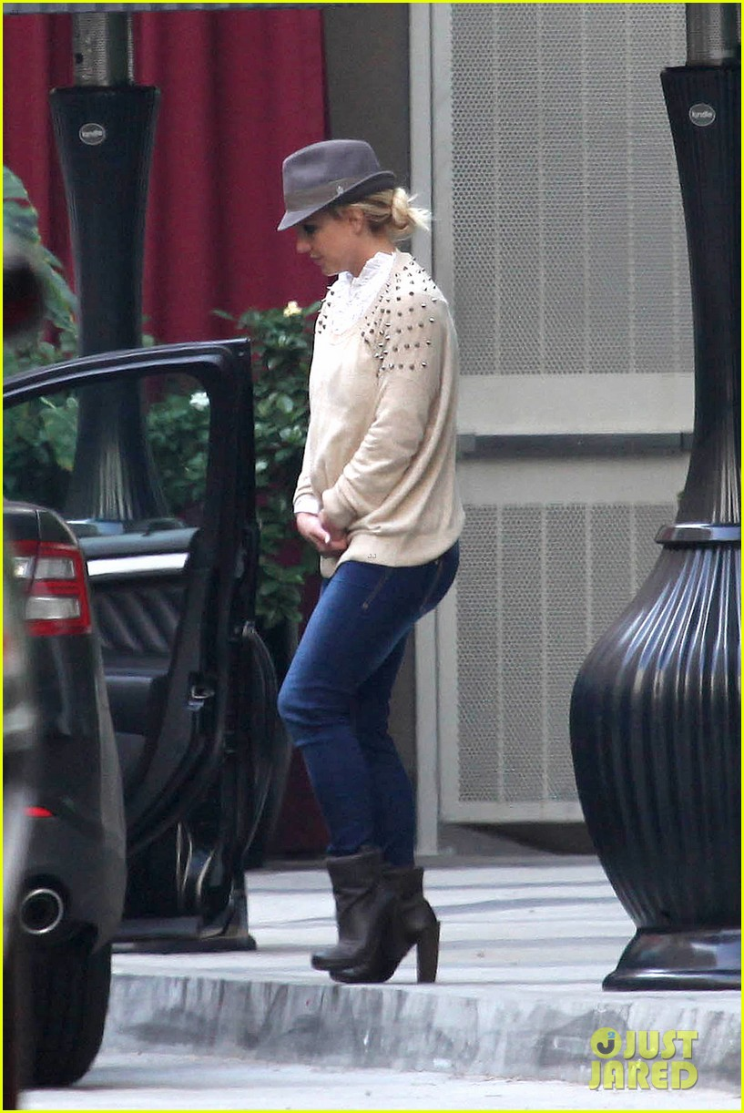 britney spears west hollywood lunch 132770638