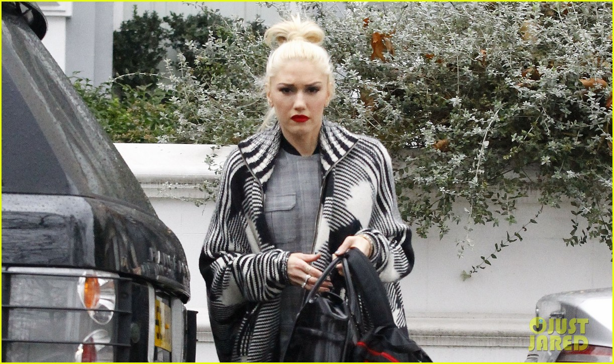 gwen stefani push shove receives discount on itunes 042781386