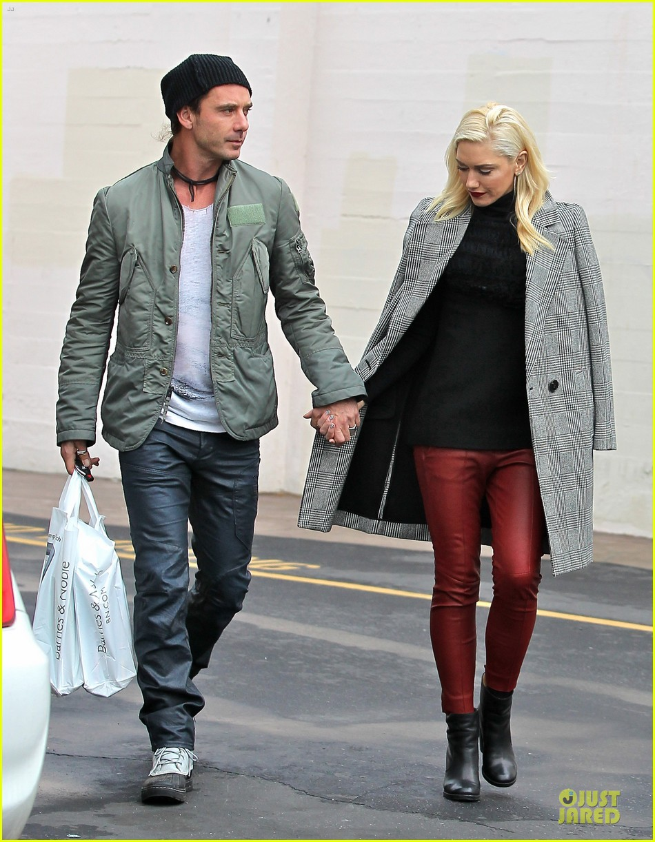 gwen stefani & gavin rossdale holiday shopping couple 03
