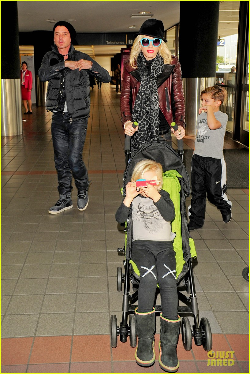 gwen stefani & gavin rossdale holiday travel with the kids 112779590