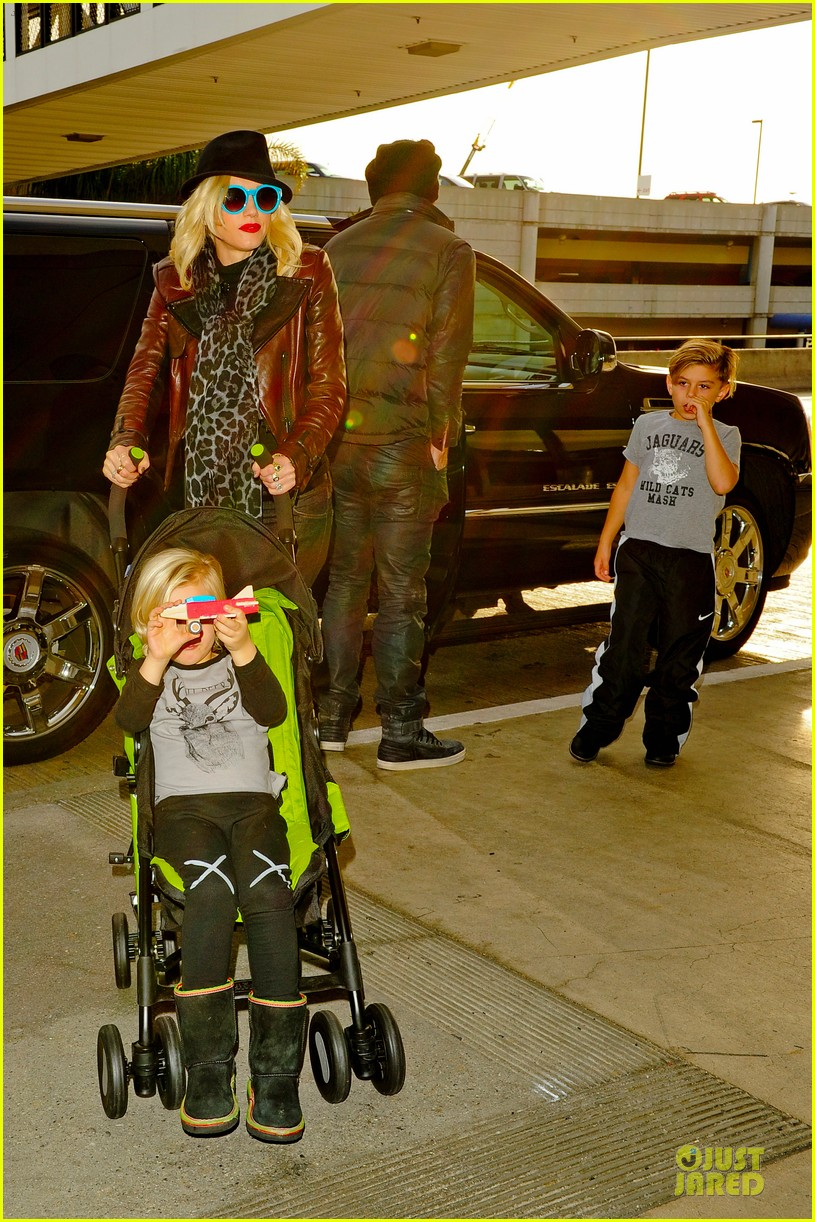 gwen stefani & gavin rossdale holiday travel with the kids 142779593
