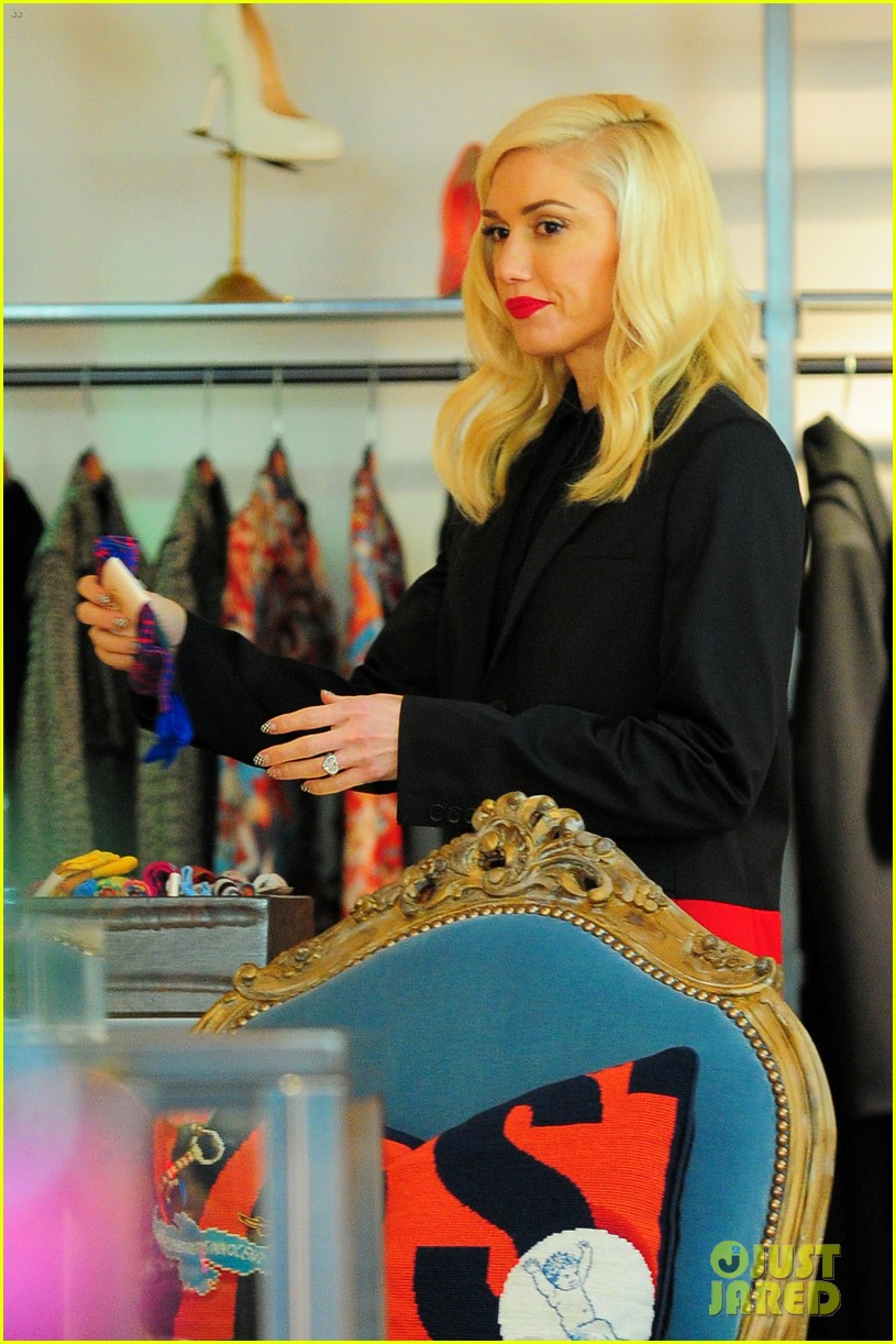 gwen stefani west hollywood shopper 052778691