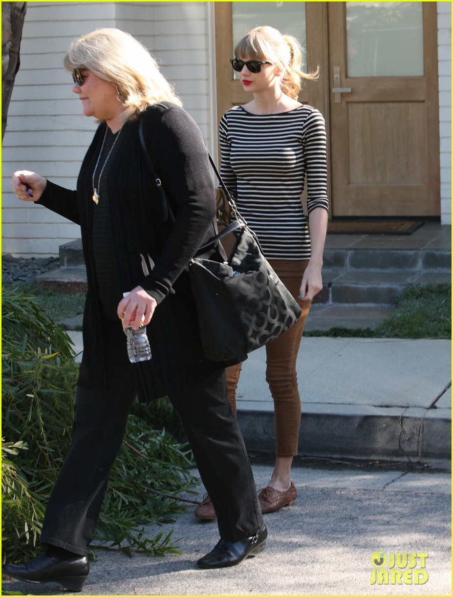 Taylor Swift Harry Styles Leave Her Home In La Photo 2778334 Harry Styles Taylor Swift Pictures Just Jared