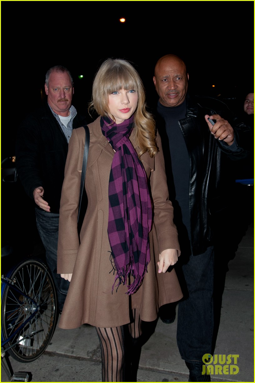 taylor swift back big apple 16