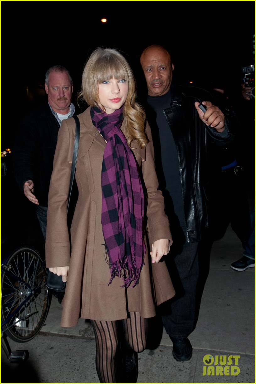taylor swift back big apple 17