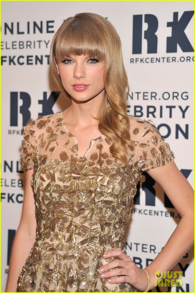 taylor swift dianna agron ripple of hope gala 2012 152768722