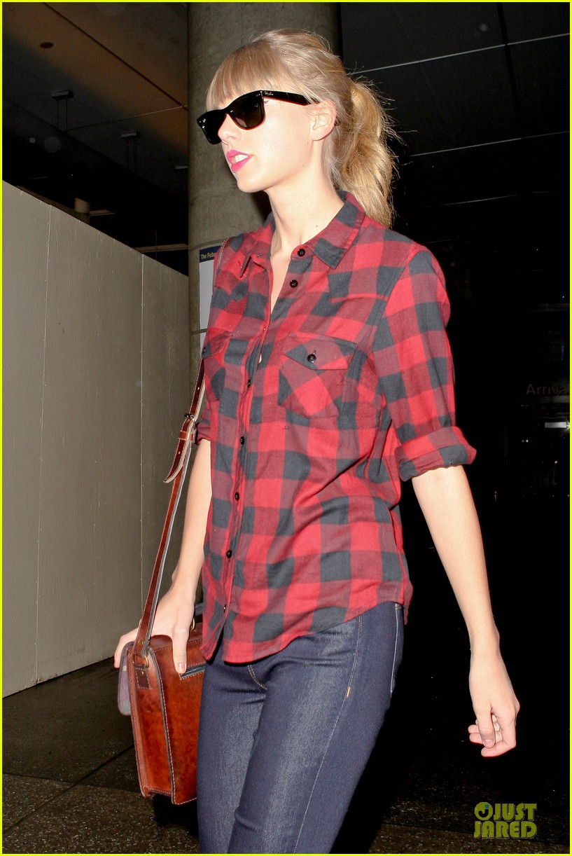 taylor swift kissfm jingle ball headliner 12