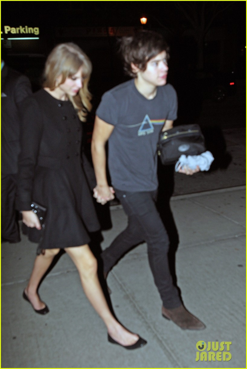 taylor swift harry styles holding hands after 1d concert 032768922