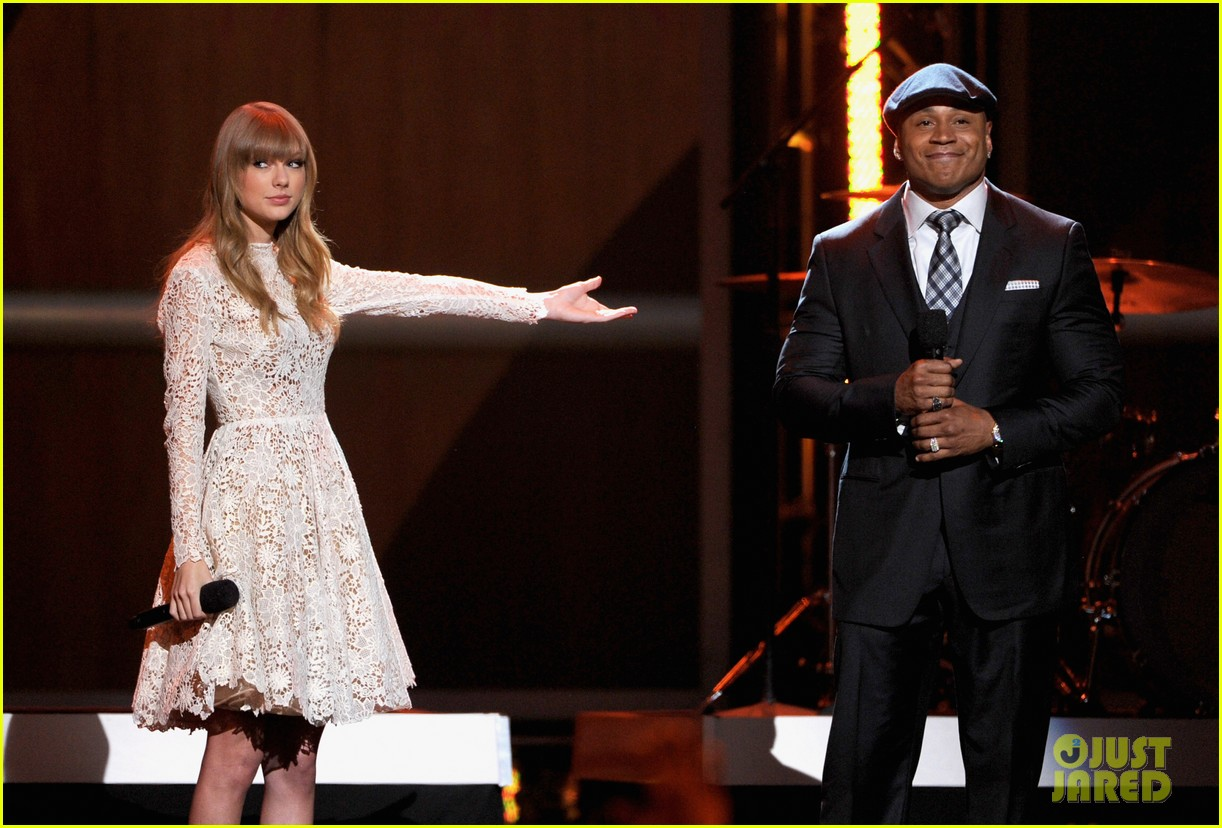 taylor swift grammy nominations concert 082769968