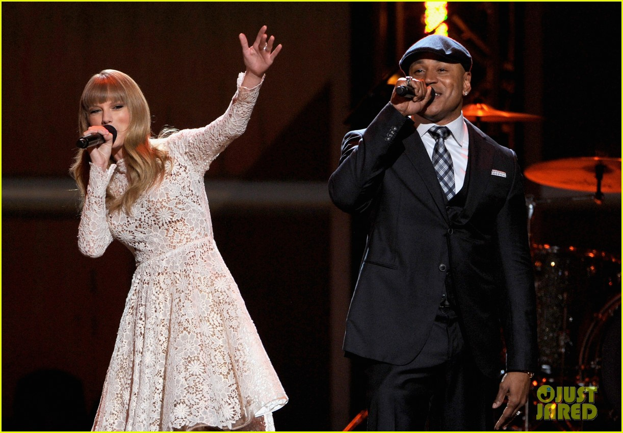 taylor swift grammy nominations concert 102769970