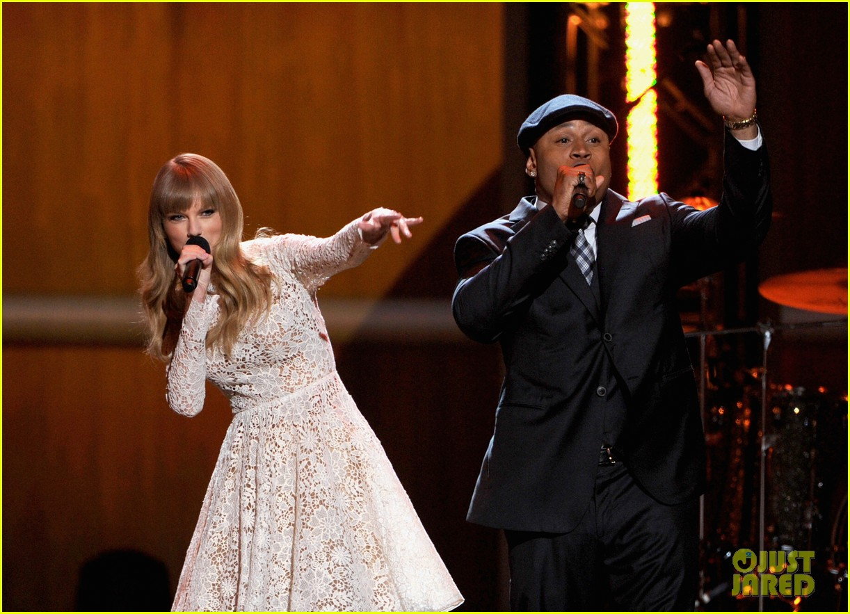 taylor swift grammy nominations concert 112769971