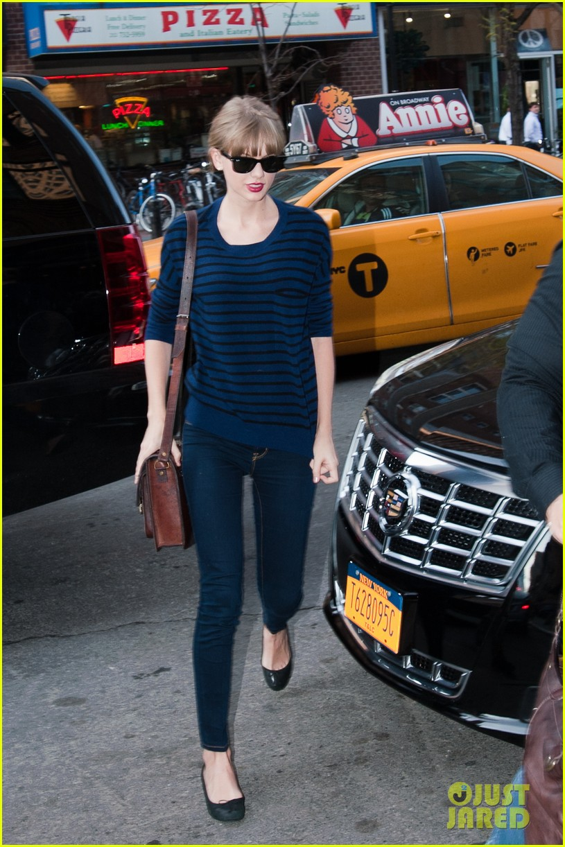 taylor swift striped starlet after harry styles date 012768590