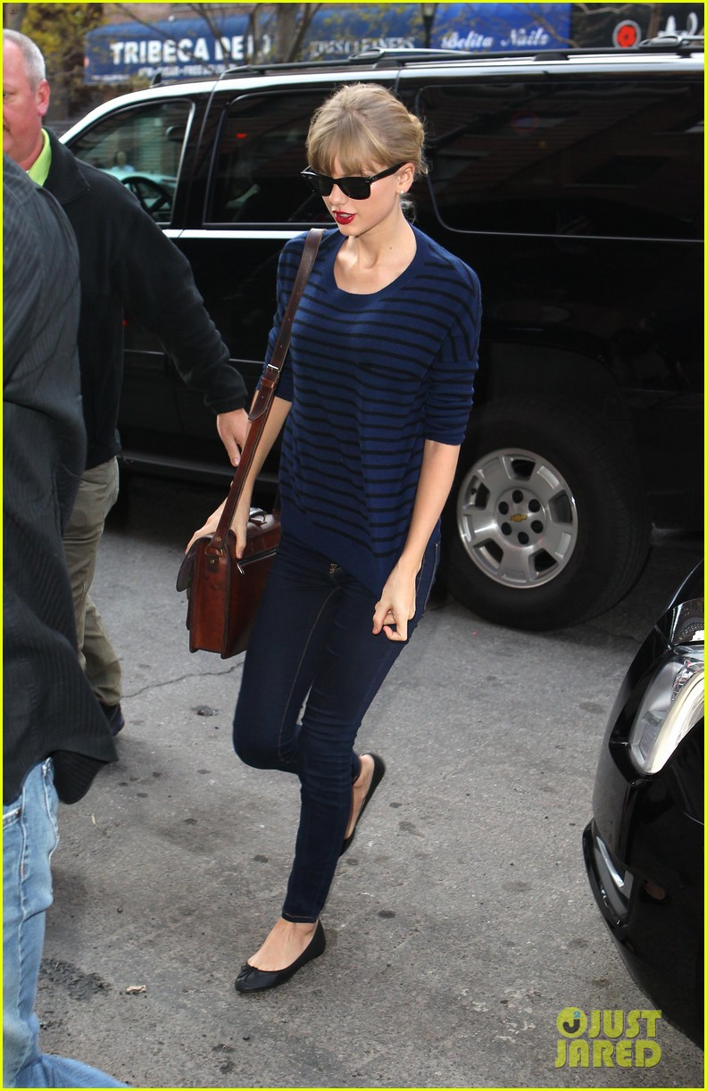 taylor swift striped starlet after harry styles date 082768597