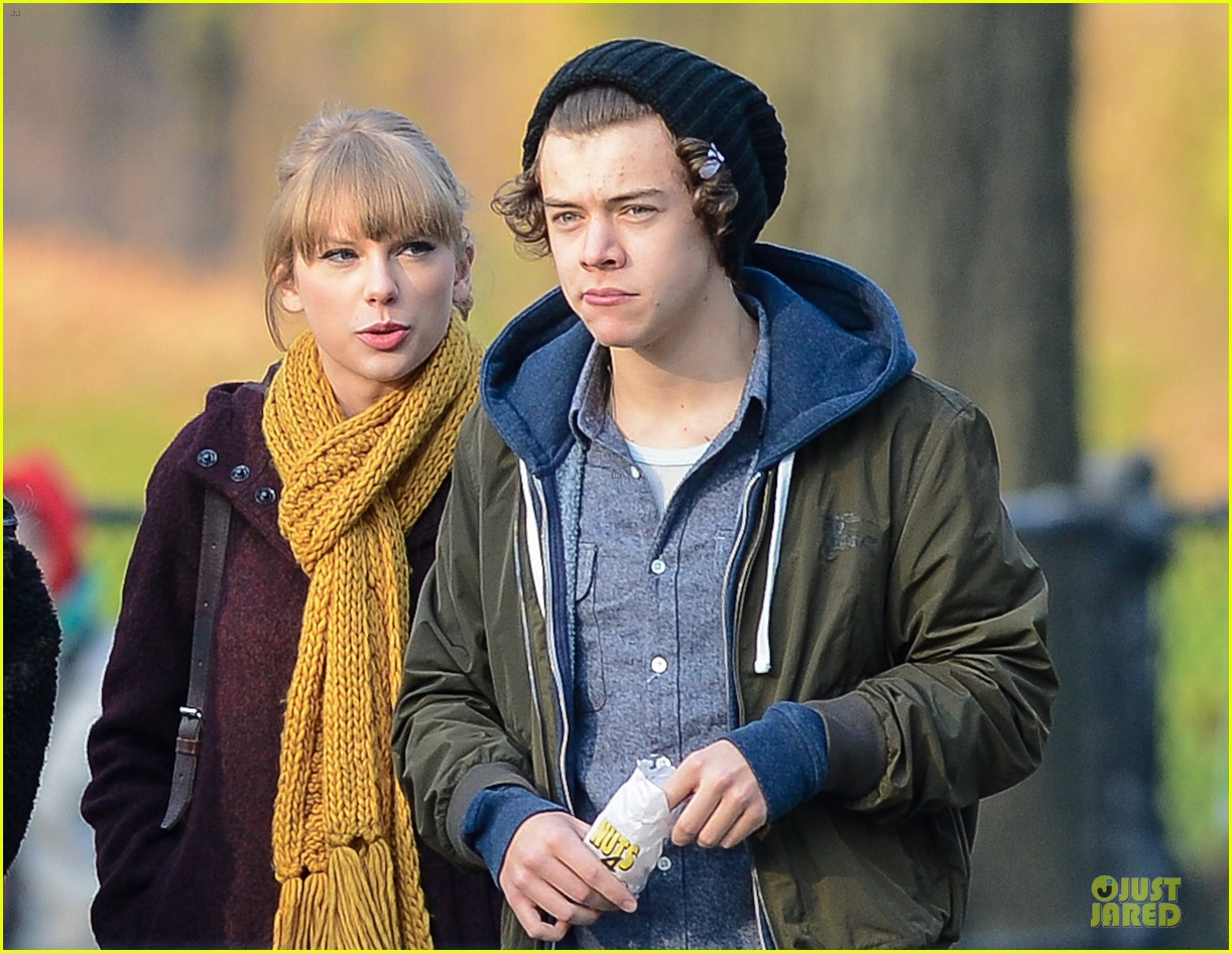taylor swift harry styles central park stroll 022768115