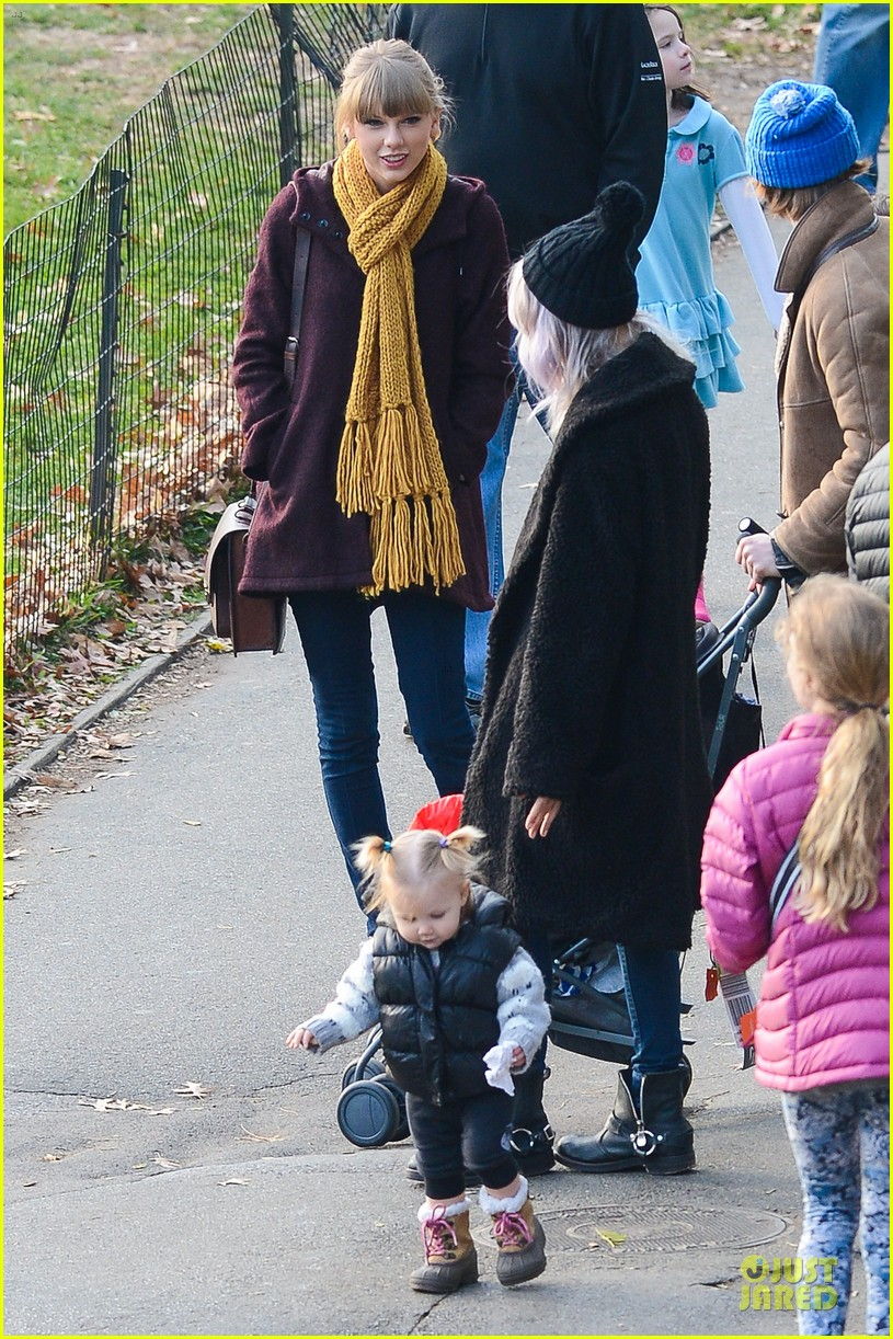 taylor swift harry styles central park stroll 112768124