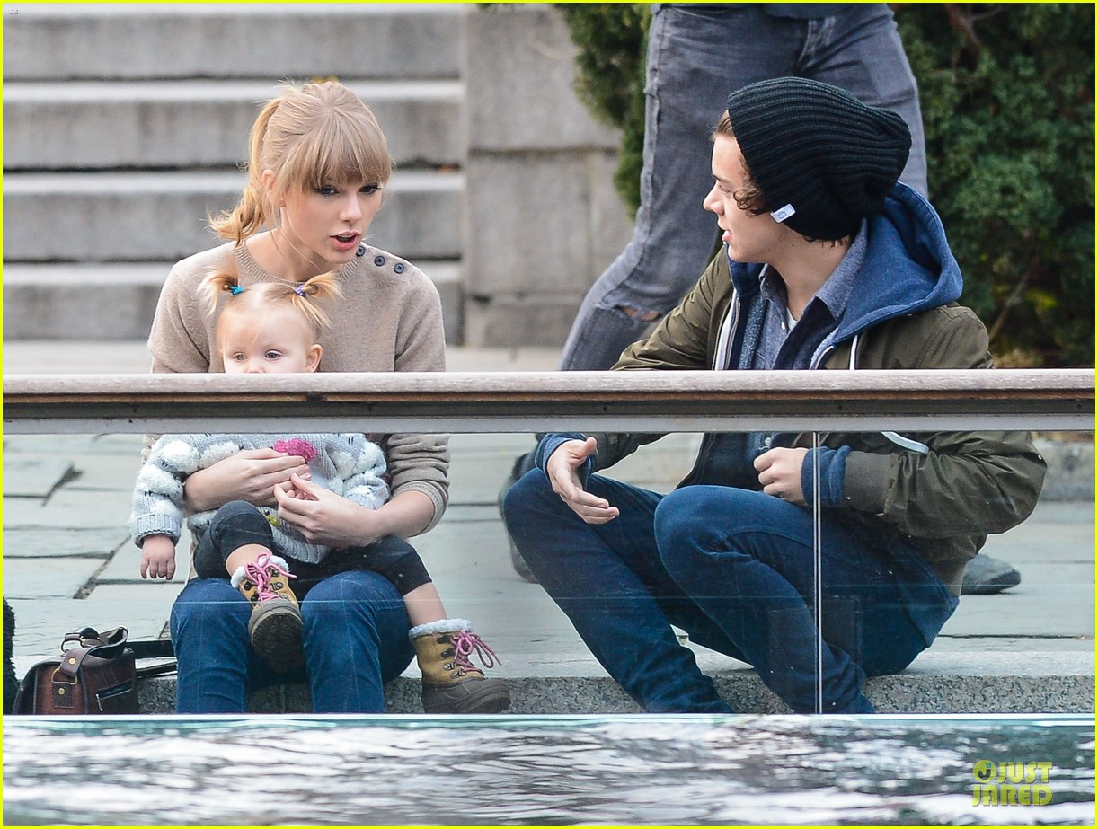 taylor swift harry styles central park stroll 162768129