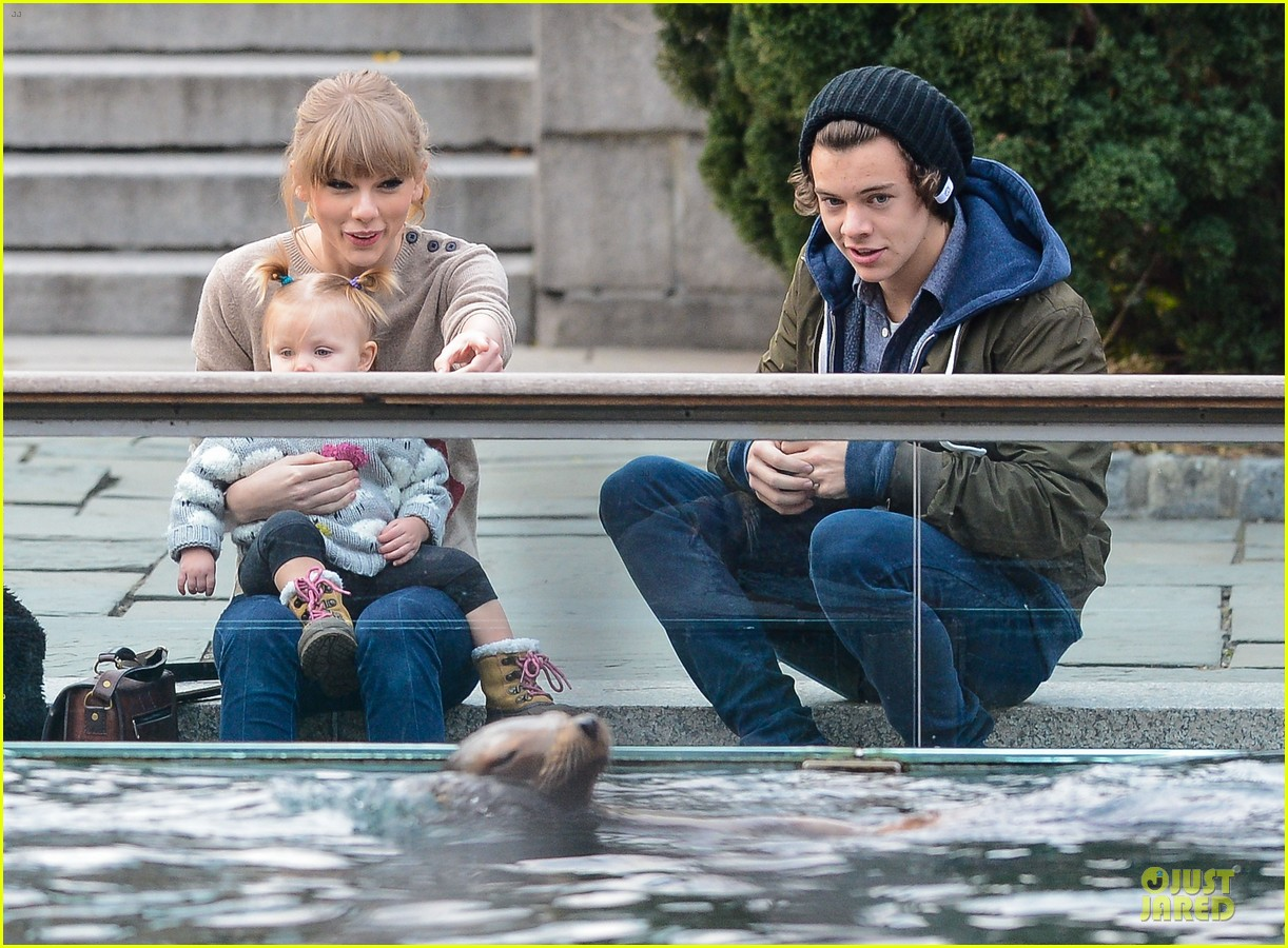 taylor swift harry styles central park stroll 172768130