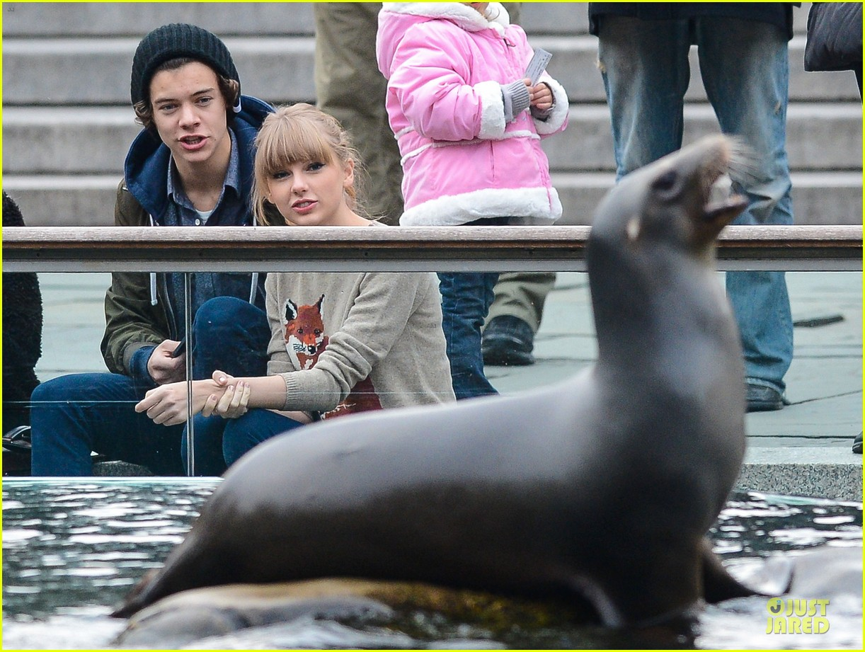 taylor swift harry styles central park stroll 192768132