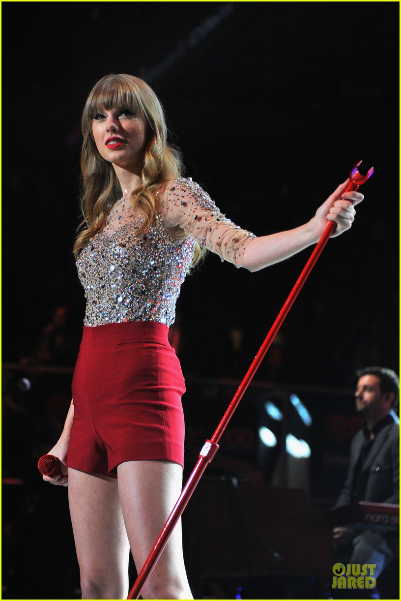 taylor swift z100 jingle ball 2012 032771532