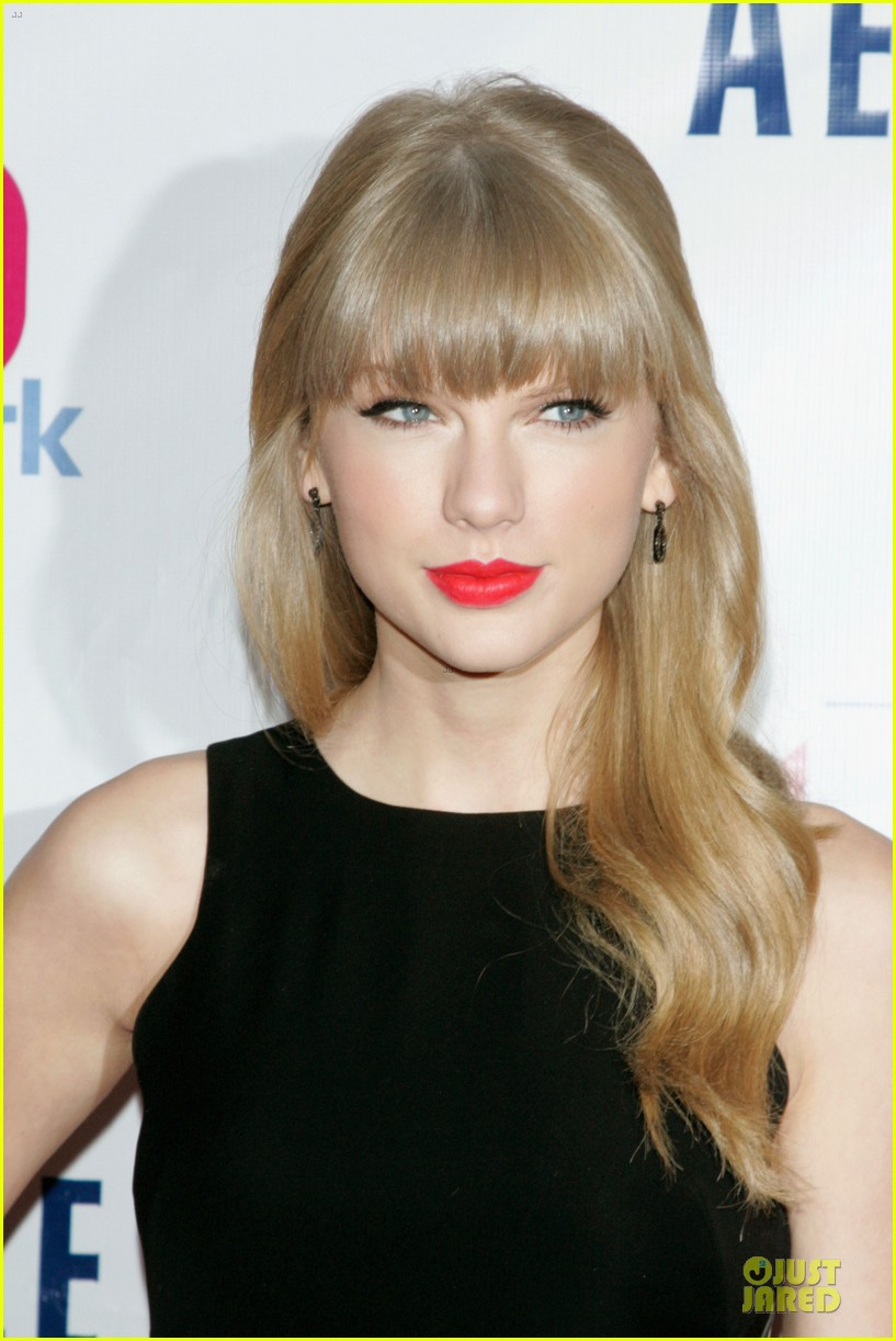 taylor swift z100 jingle ball 2012 072771536