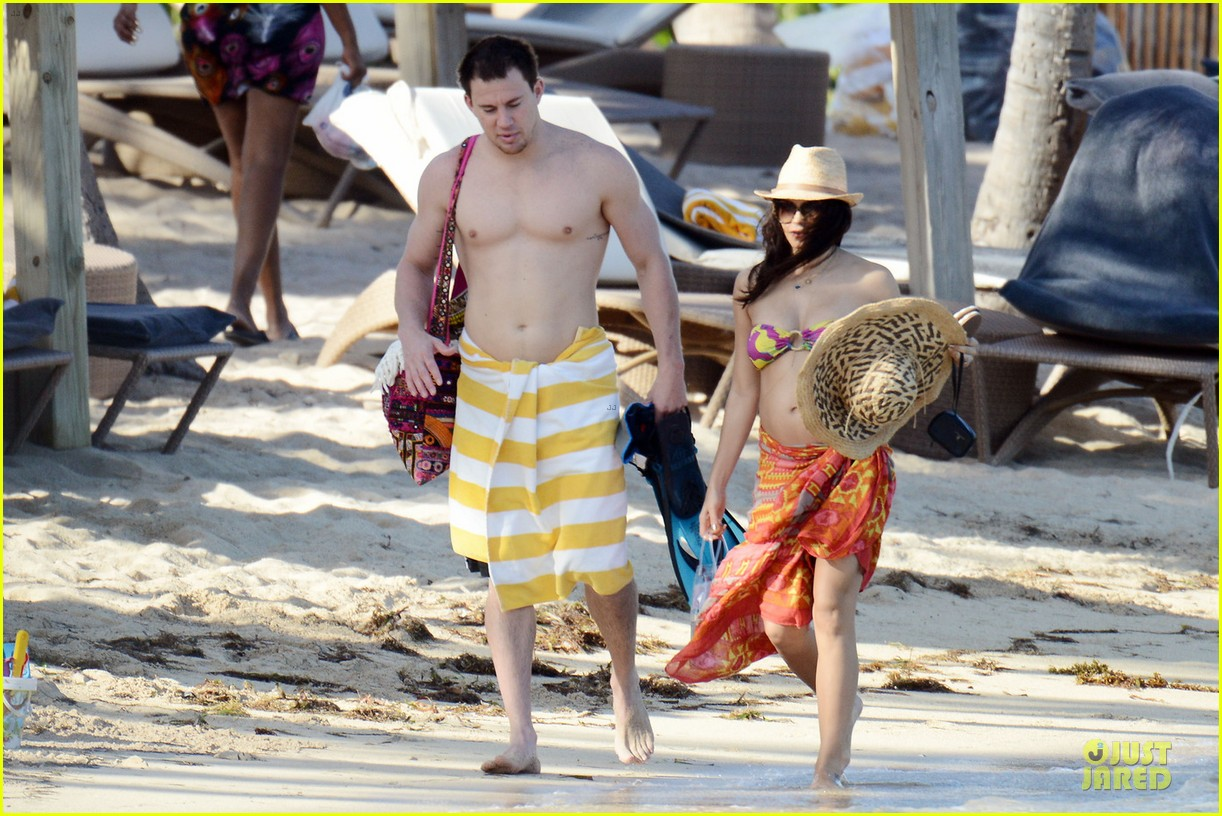 pregnant jenna dewan kisses shirtless channing tatum 102782179