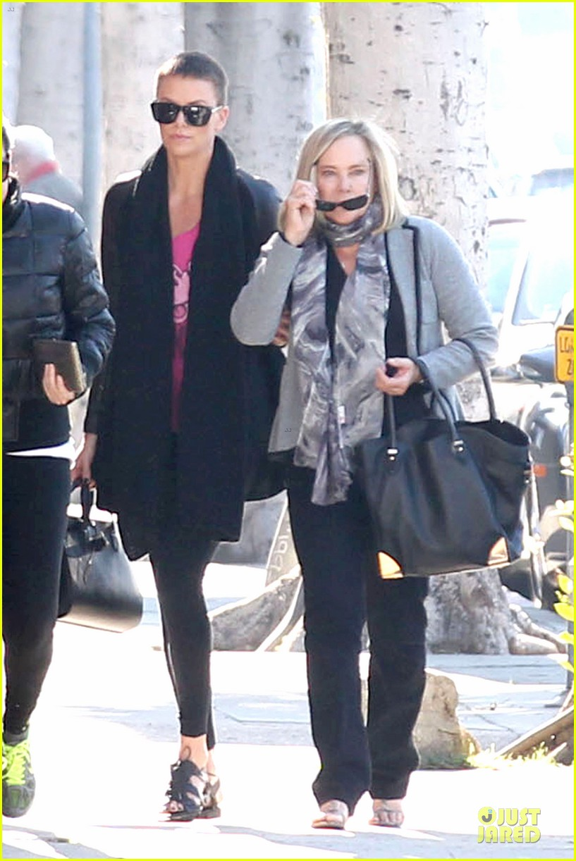 charlize theron pampers mother gerda 112779678