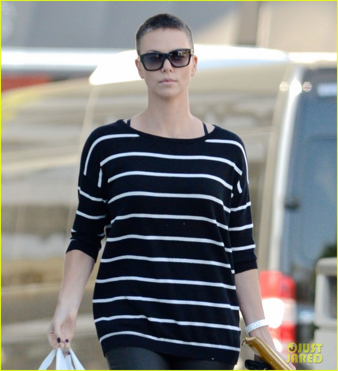 charlize theron pharmacy stop in los angeles 012774662