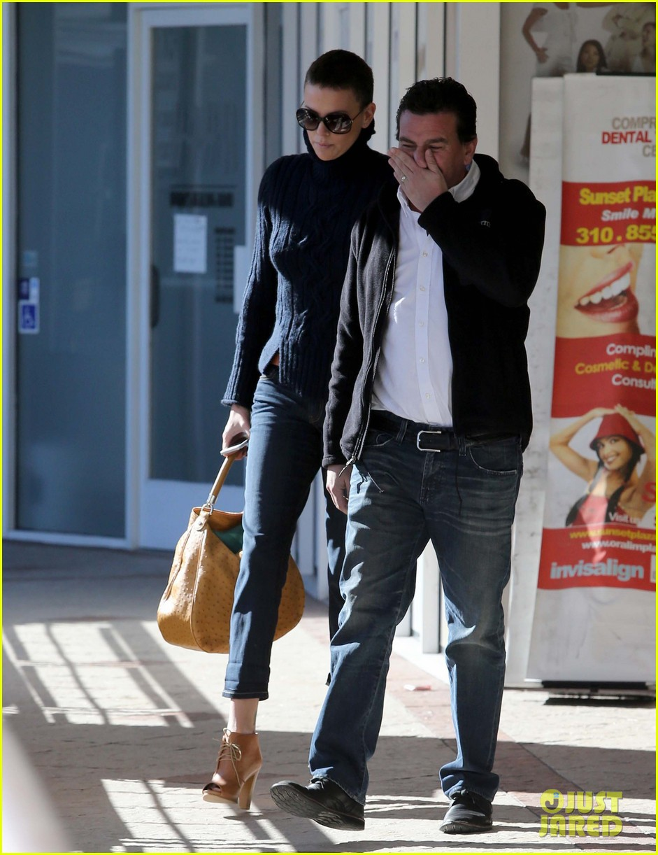 charlize theron west hollywood lunch with pals 062778861