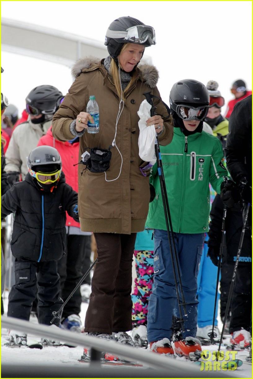 uma thurman aspen ski vacation 012781315