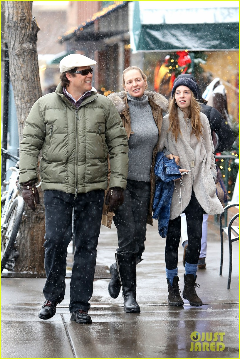 uma thurman arpad busson snow aspen stroll with maya 012780776