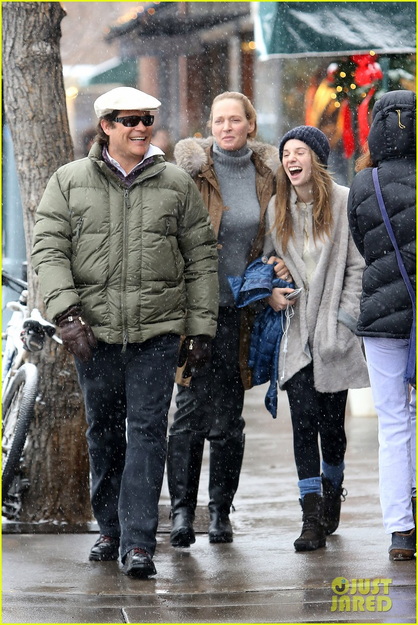 uma thurman arpad busson snow aspen stroll with maya 082780783