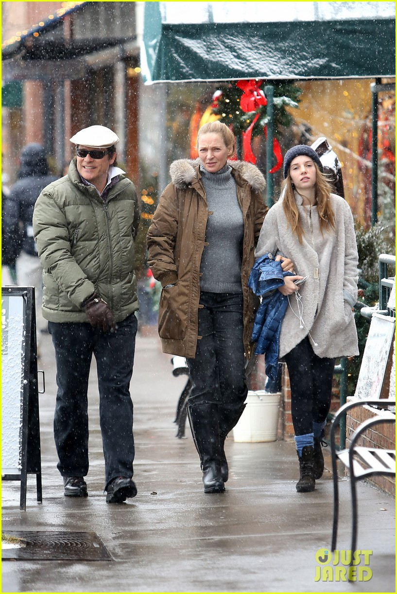 uma thurman arpad busson snow aspen stroll with maya 152780790