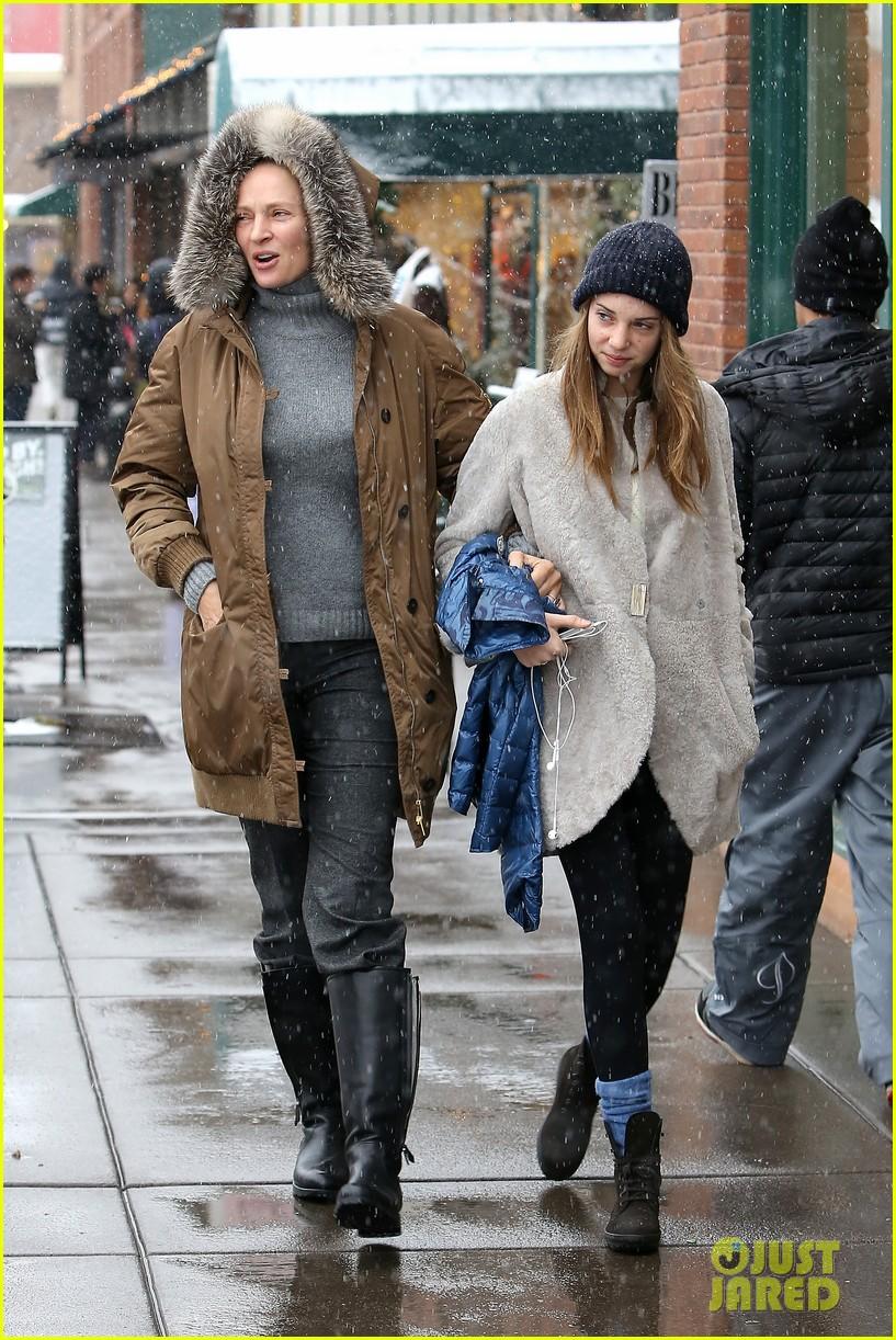 uma thurman arpad busson snow aspen stroll with maya 162780791
