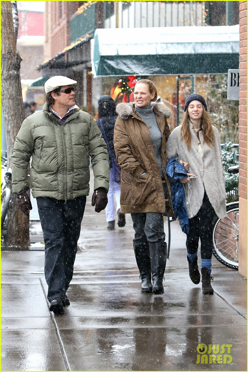 uma thurman arpad busson snow aspen stroll with maya 172780792