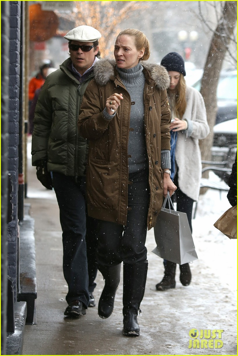 uma thurman arpad busson snow aspen stroll with maya 25