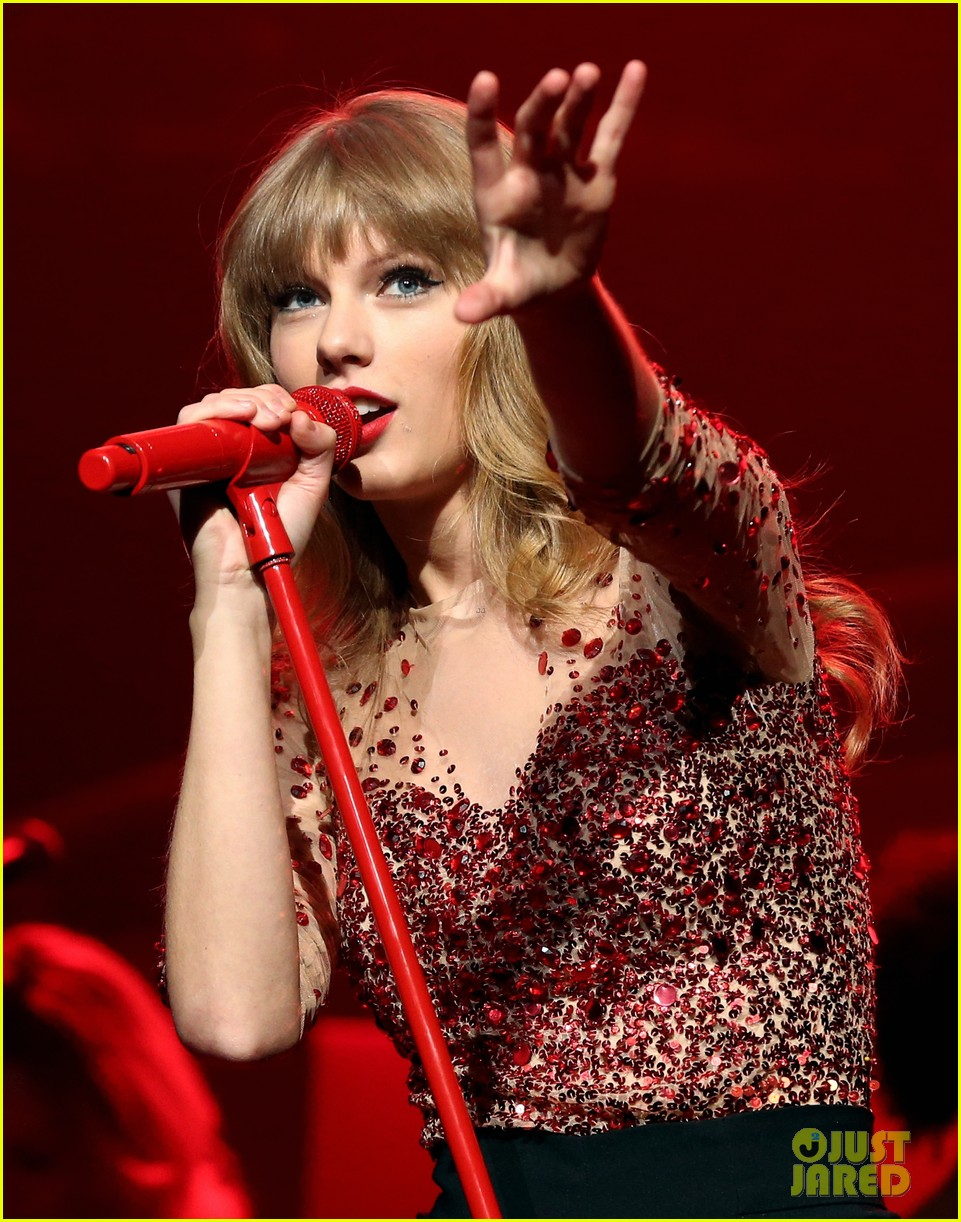 taylor swift kiis fm jingle ball 012767701