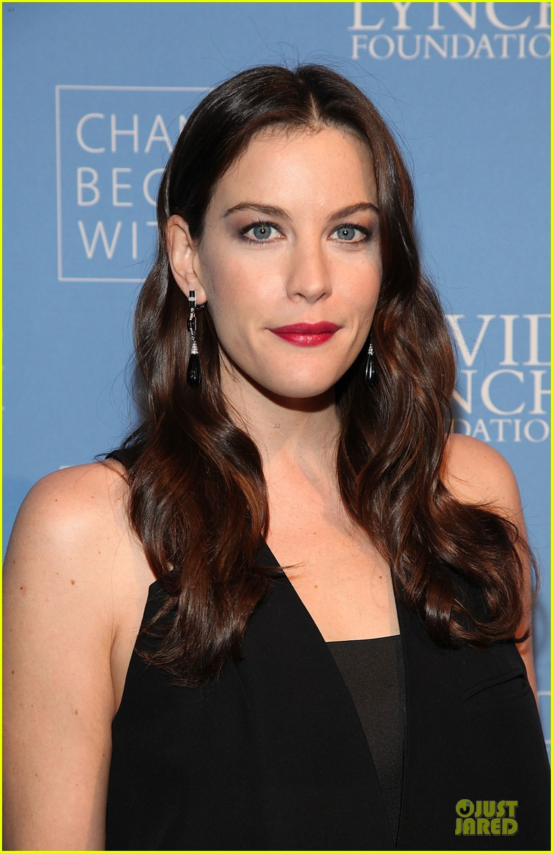 liv tyler milos birthday walk 10