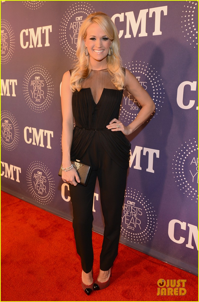 carrie underwood cmt artists of the year with mike fisher 032768652