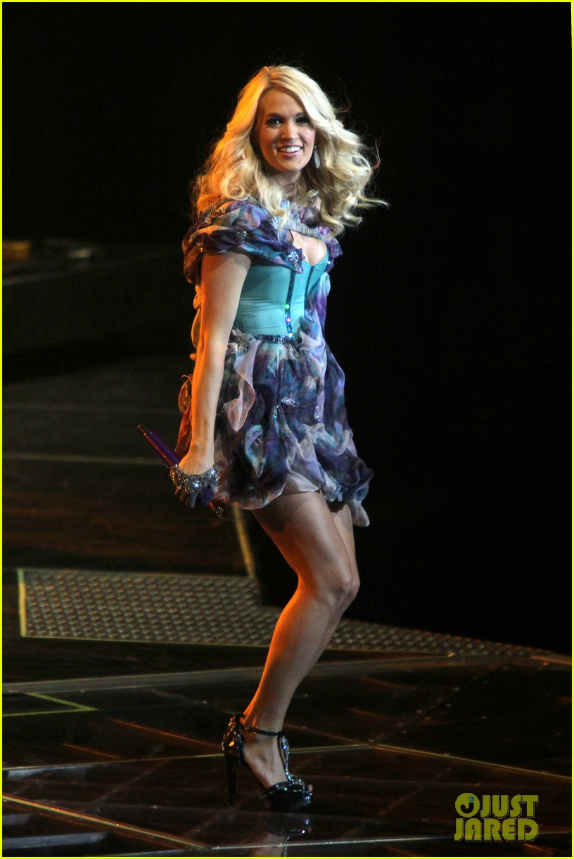 carrie underwood so small with ps22 chorus in newark 012767941