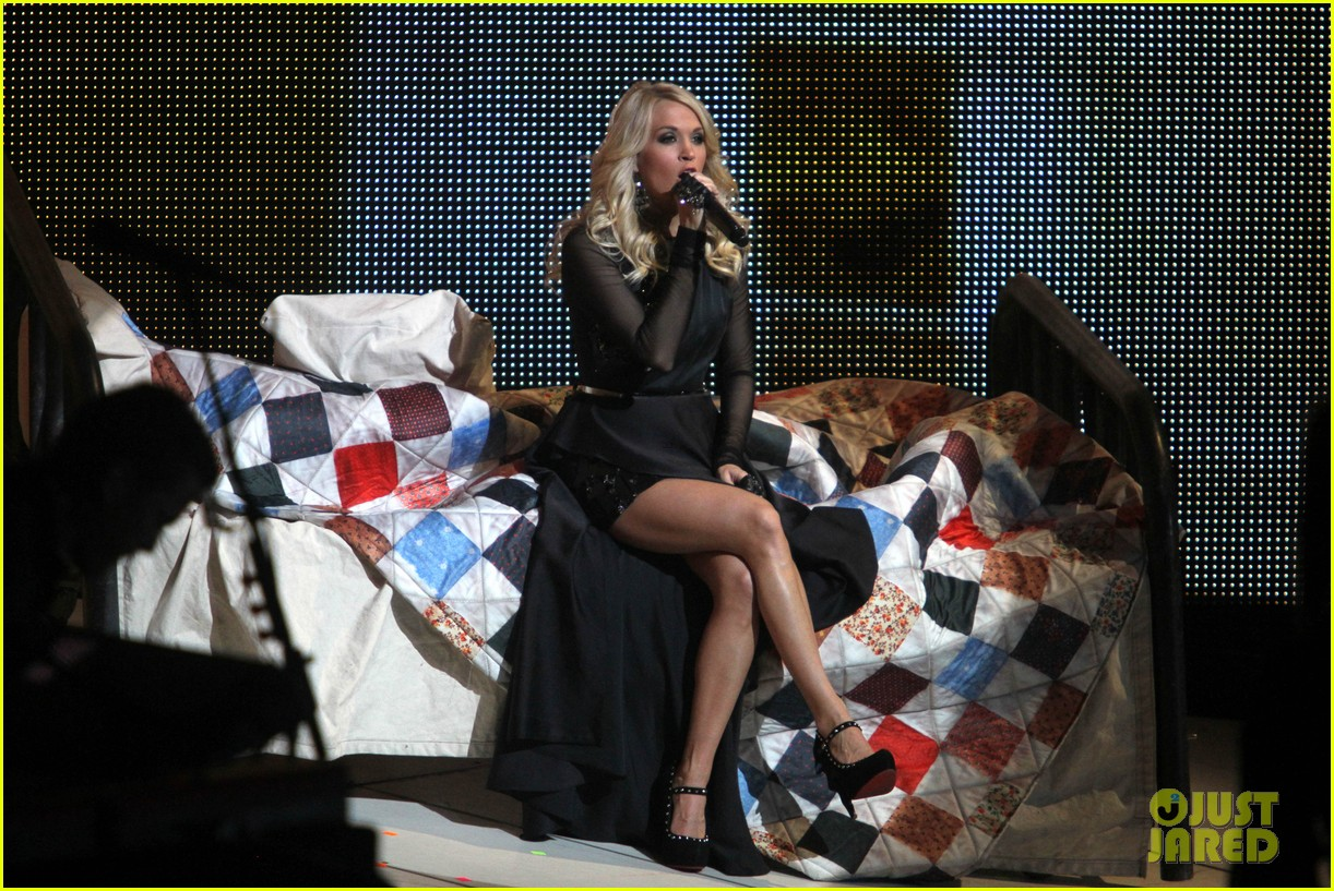 carrie underwood so small with ps22 chorus in newark 162767956