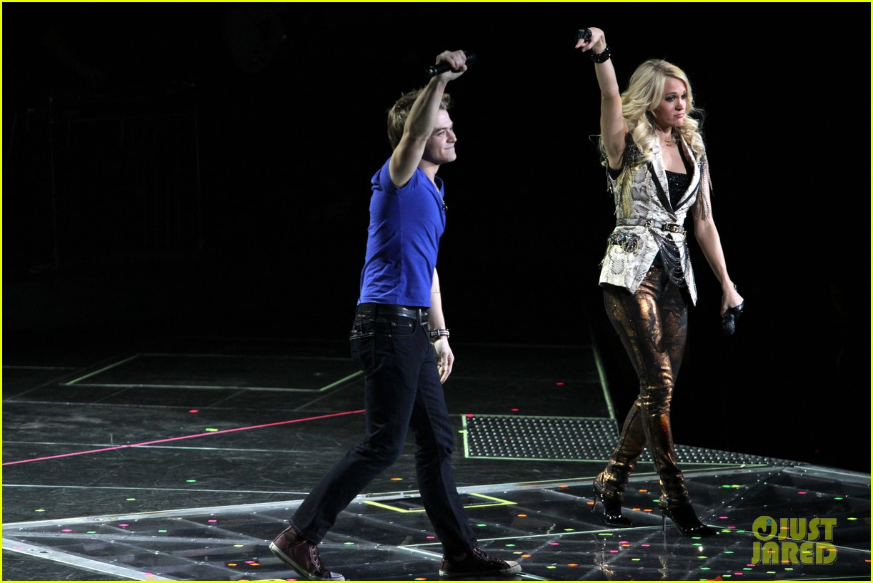 carrie underwood so small with ps22 chorus in newark 23