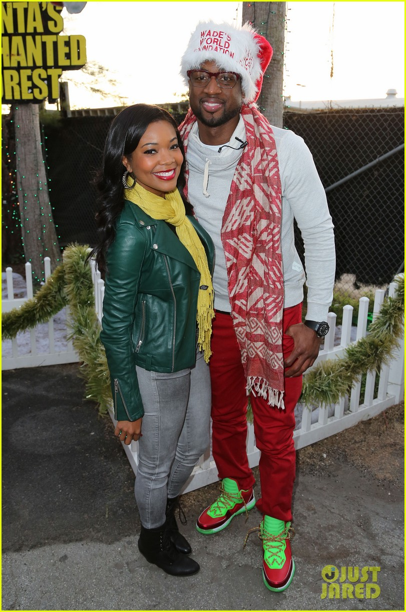 gabrielle union dwyane wade santas enchanted lovers 012780445