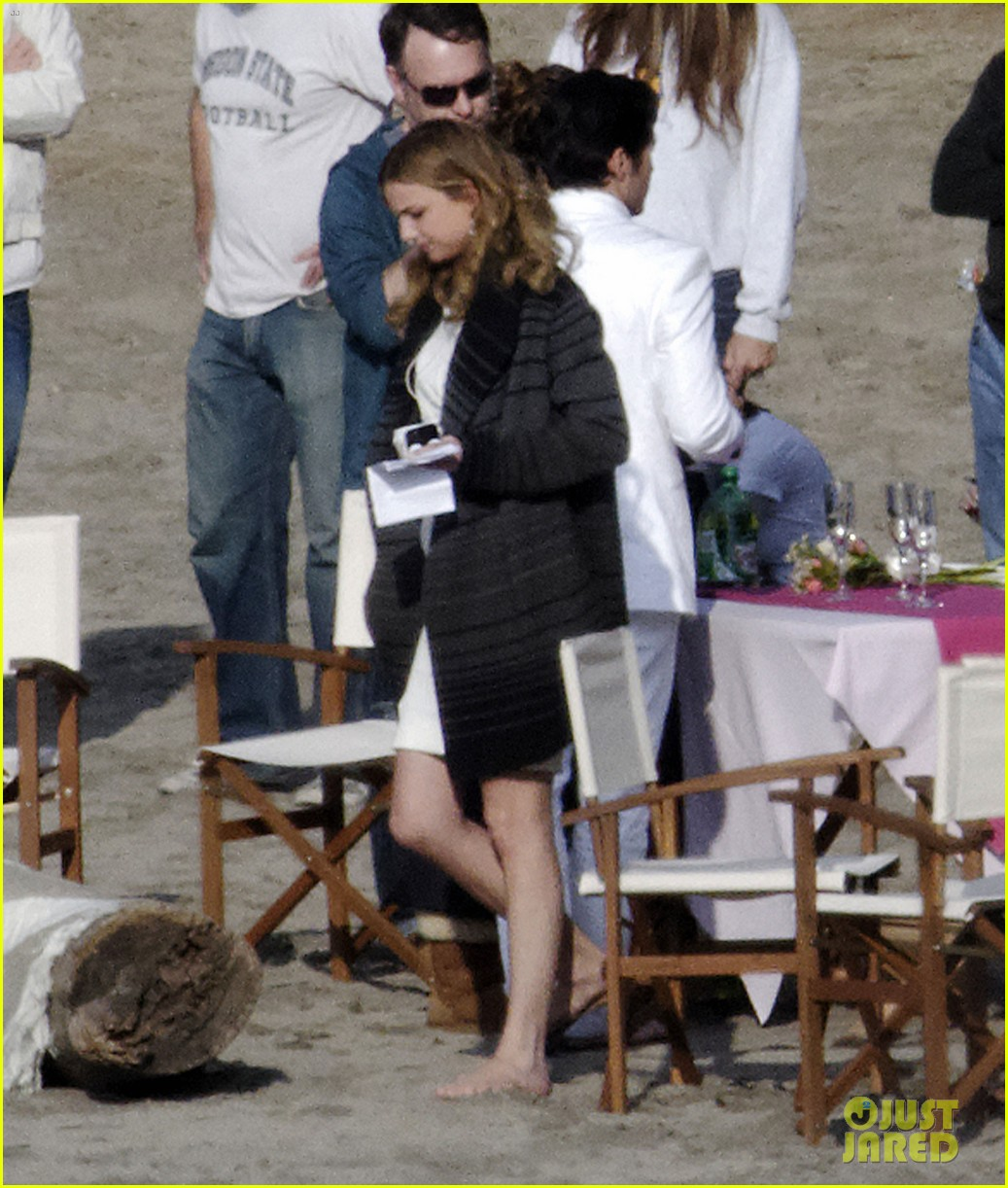 emily vancamp films revenge spoiler scenes 12
