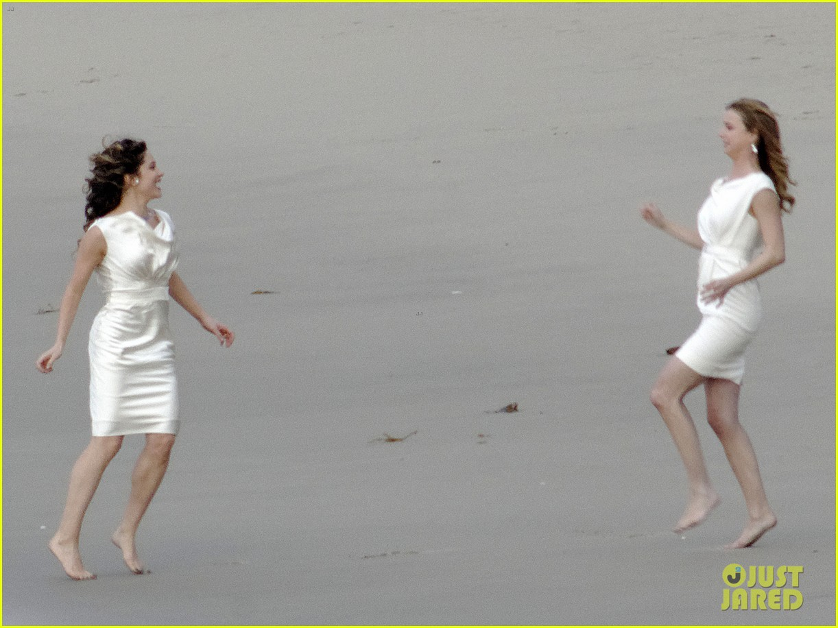 emily vancamp films revenge spoiler scenes 16