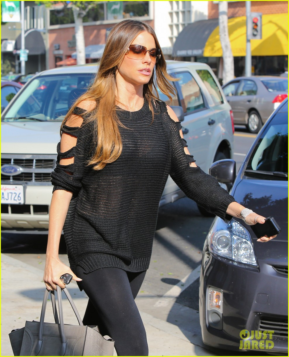 sofia vergara is cut out in beverly hills 032771382