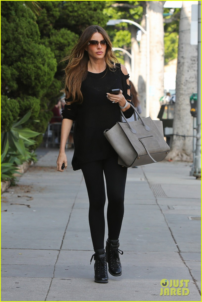 sofia vergara is cut out in beverly hills 042771383