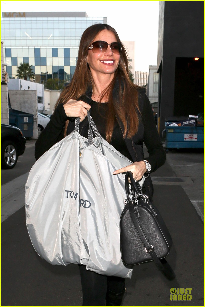 sofia vergara sheer garment carrying gal 02